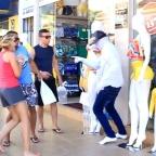 El maniquí viviente: la broma que causa impacto entre los turistas (VIDEO)