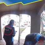 Captan a supuesto repartidor de Amazon escupiendo sobre paquetes