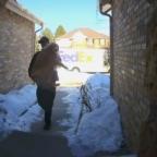 Héroe de FedEx: repartidor regresa a perro perdido a su casa (VIDEO)