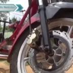 Hombre inventa la coronacleta para realizar viajes respetando la cuarentena