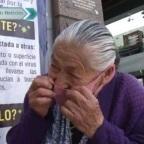 Abuelita conmueve a redes por vender gelatinas para sobrevivir en cuarentena