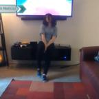 Morra realiza baile en cuarentena y rompe un mueble de su casa (VIDEO)