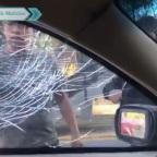 Nace #LordVidrios, el taxista que atacó a familia con policía al lado
