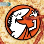 Pareja denuncia que recibió su pizza con detalle nazi en su interior