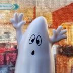 Joven graba aterradora actividad paranormal en su casa (VIDEO)