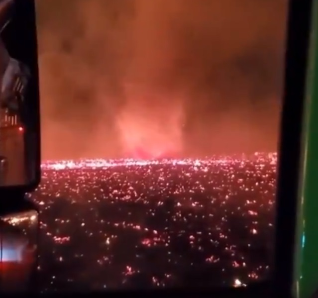 Graban enorme tornado de fuego en California (VIDEO)
