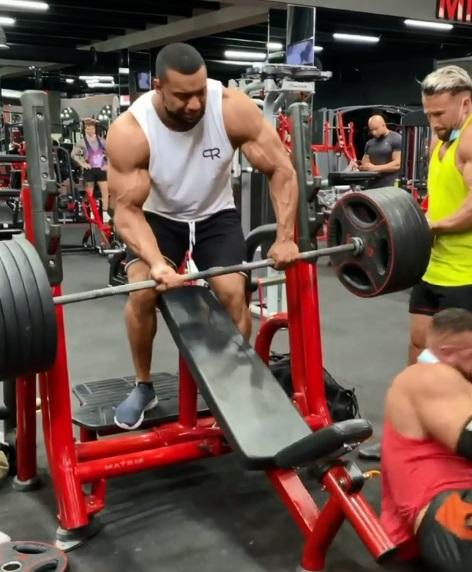 hombre se rompe tendon en gym 2
