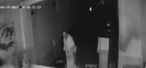 ladron en iglesia 1